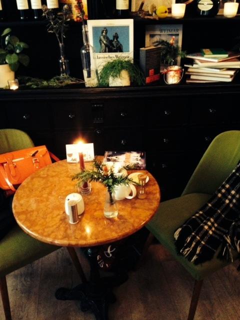 ach wie h bsch tea time in weimar mrs tartan. Black Bedroom Furniture Sets. Home Design Ideas